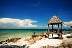Bungalow op het strand Stock Fotografie