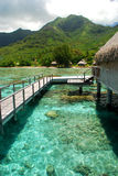 Bungalow polinésio do overwater. Moorea, Polinésia francesa Fotos de Stock Royalty Free
