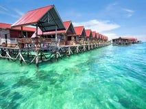 Bungalows auf Mabul-Insel, Sabah, Malaysia Stockfoto