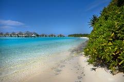 Bungalows da água do recurso maldivo Imagens de Stock