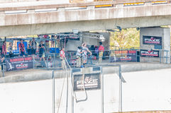 Bungee скача на мост Bloukrans Стоковое фото RF
