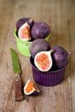 Bunkar med nya figs och gammala baktalar Fotografering för Bildbyråer