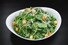 Bunke av Caesar Salad Fotografering för Bildbyråer