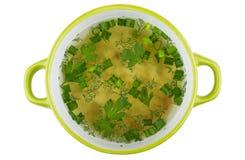 Bunke av soppa med pasta som isoleras på vit bakgrund Royaltyfri Bild