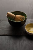Bunken och bambu viftar Royaltyfria Bilder