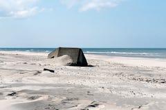 Bunker från världskrig II på västkusten av Jutland arkivfoto