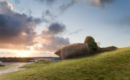 Bunker op de kustlijn, Gouden Strand Stock Afbeeldingen