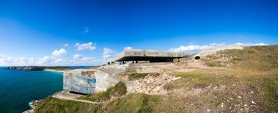 Bunker tedesco dalla seconda guerra mondiale e dall'Oceano Atlantico Immagine Stock