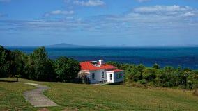 Bunkhouse na Tiritiri Matangi wyspie, Nowa Zelandia obrazy royalty free