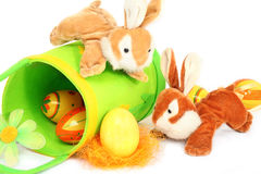 bunnies Πάσχα που παίζουν δύο Στοκ Φωτογραφία