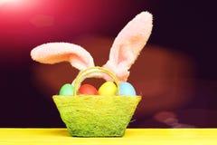 bunny ανασκόπησης τα αυτιά Πάσχα απομόνωσαν το λευκό Στοκ Εικόνα