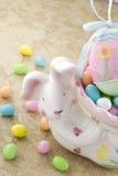 bunny αυγά Πάσχας καραμελών Στοκ εικόνες με δικαίωμα ελεύθερης χρήσης
