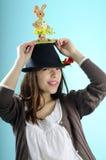 bunny ευτυχές καπέλο κοριτσ& Στοκ εικόνες με δικαίωμα ελεύθερης χρήσης