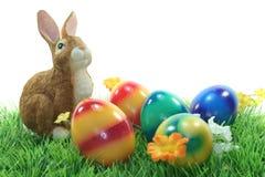 bunny χορτοτάπητας αυγών Πάσχα&s Στοκ εικόνα με δικαίωμα ελεύθερης χρήσης