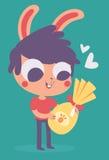 Bunny Boy Holding bonito um ovo de chocolate da Páscoa ilustração royalty free