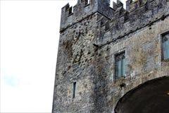 Bunratty, condado Clare/Irlanda 13 de agosto de 2018: El castillo de Bunratty fue construido en 1425 y es una atracción turística imagen de archivo