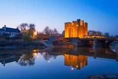 Bunratty slott på natten Fotografering för Bildbyråer