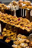 Exquisite buns and croissants in large quantities Royalty Free Stock Images