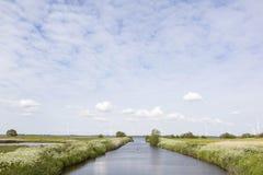 Bunschoten Kanaal naar randmeer bij spakenburg Royalty-vrije Stock Afbeeldingen