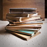 Bunt av böcker Royaltyfria Foton
