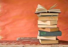 Bunt av böcker, Royaltyfria Foton