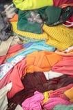 Bunt av begagnad kläder Fotografering för Bildbyråer