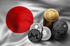 Bunt av Bitcoin mynt på japansk flagga Läge av Bitcoin och andra cryptocurrencies i Japan Royaltyfria Bilder
