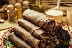 Bunt av chokladpannkakor, frukost, mellanmål Pannkakadag bunt Royaltyfri Bild
