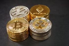 Bunt av cryptocurrencies Etherum krusning, bitcoin litecoin på mörkt läder Fotografering för Bildbyråer