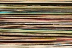 Bunt av de gamla tidskrifterna Arkivfoton