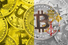 Bunt av den Bitcoin Vatican City flaggan Bitcoin cryptocurrencies lurar Arkivfoton