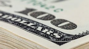 Bunt av dollarräkningar Royaltyfri Bild