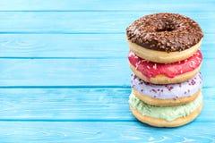 Bunt av donuts royaltyfri foto