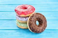 Bunt av donuts royaltyfria bilder