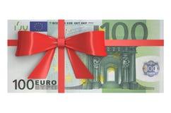 Bunt av 100 eurosedlar med den röda pilbågen, gåvabegrepp renderi 3D Royaltyfri Bild