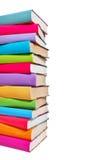 Bunt av färgrika böcker royaltyfria foton