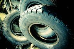Bunt av gamla använda rubber gummihjul Royaltyfri Fotografi