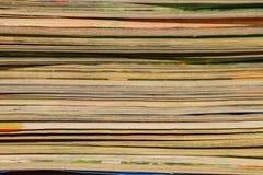Bunt av gamla tidskrifter för bakgrund Royaltyfria Foton