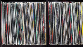 Bunt av gamla vinylrekord Arkivbilder