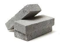 Bunt av gråa lerategelstenar för konstruktion royaltyfria bilder