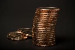 Bunt av guld- mynt Arkivfoton