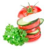 Bunt av gurka- och tomatskivor med Royaltyfri Bild