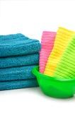 Bunt av handdukar, ljusa servetter i bunken Arkivbilder
