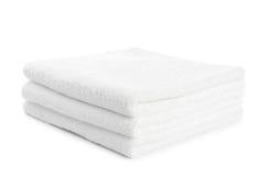 Bunt av isolerade vita handdukar Royaltyfri Bild