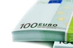 Bunt av sedlar 100 euro Arkivfoto