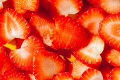 Bunt av skivad jordgubbe som är klar att tjänas som, eller efterrättdecorat Royaltyfria Bilder