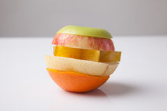 Bunt av skivade blandningfrukter Royaltyfri Fotografi