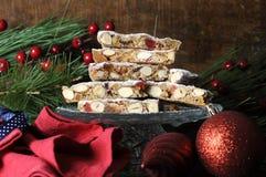 Bunt av skivor av italiensk stil Panforte för traditionell festlig jul royaltyfri fotografi