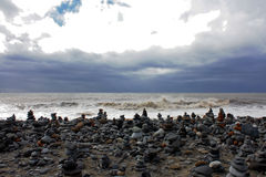 Bunt av stenar på stranden i Tenerife Arkivbilder