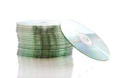 Bunt av tomma CD som isoleras på vit Royaltyfri Bild